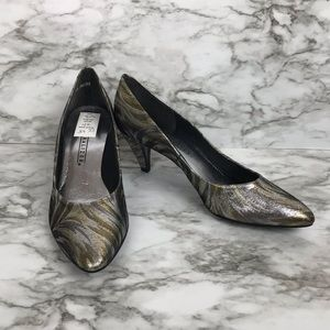 NATURALIZER metallic gold / silver party pumps
